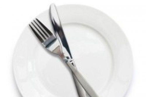 Huur borden, bestek, servetten, opscheplepels